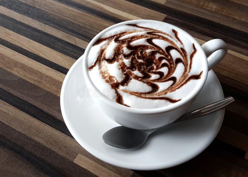Latte della tazza di caffè immagine stock