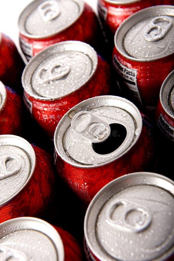 Latte di soda ghiacciata o dello schiocco fotografie stock libere da diritti