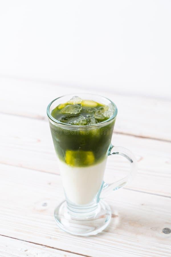 Latte helado del t? verde del matcha foto de archivo