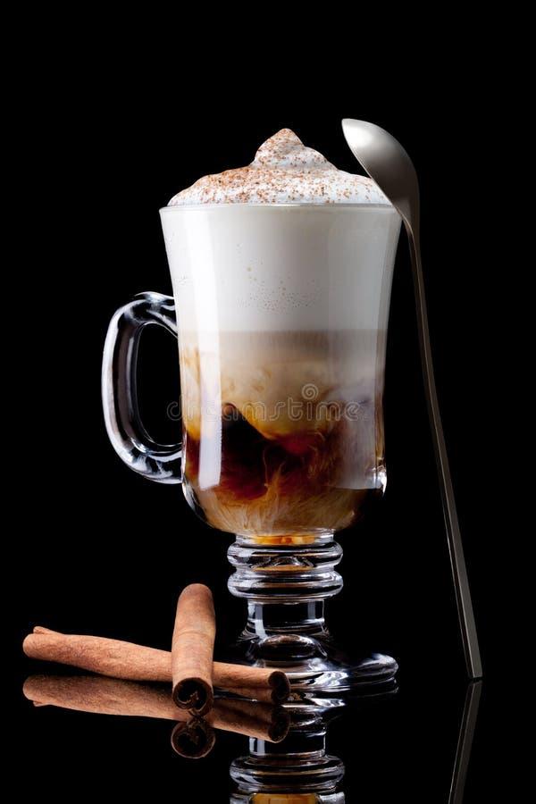 Latte macchiato lizenzfreie stockbilder