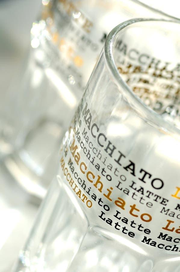Latte-macchiato-vetri fotografie stock
