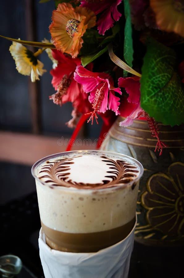 Latte sztuki kawy procesu rocznika styl obrazy royalty free