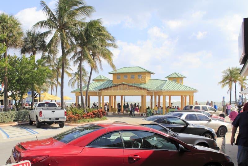 Océano Tempestuoso, Lauderdale Por El Mar, La Florida Imagen editorial