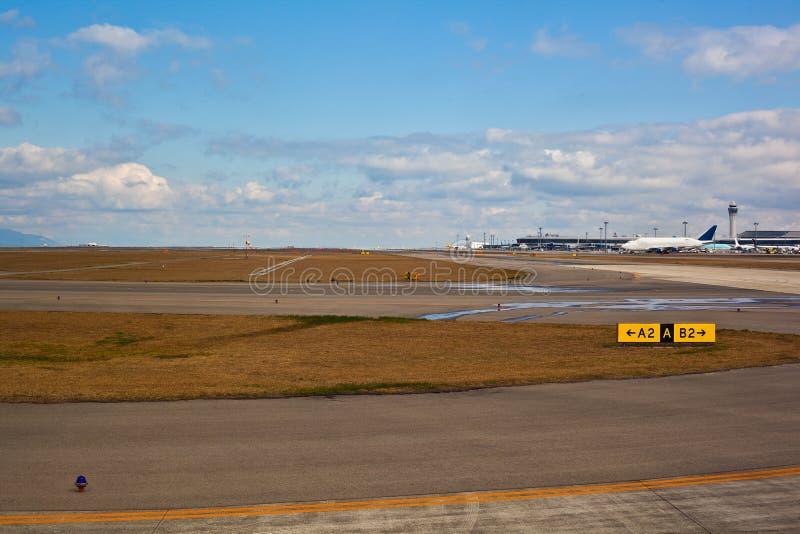 Laufbahn am Flughafen stockfoto