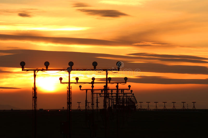 Laufbahn-Sonnenuntergang stockfoto