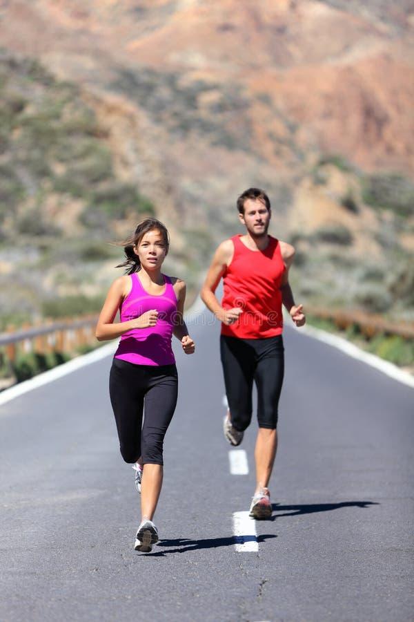 Laufende Paare lizenzfreies stockfoto