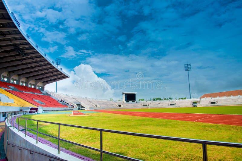 Laufende Spur im Stadion lizenzfreie stockfotografie