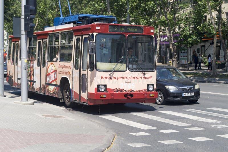 Laufkatzenbus in Chisinau stockfotografie