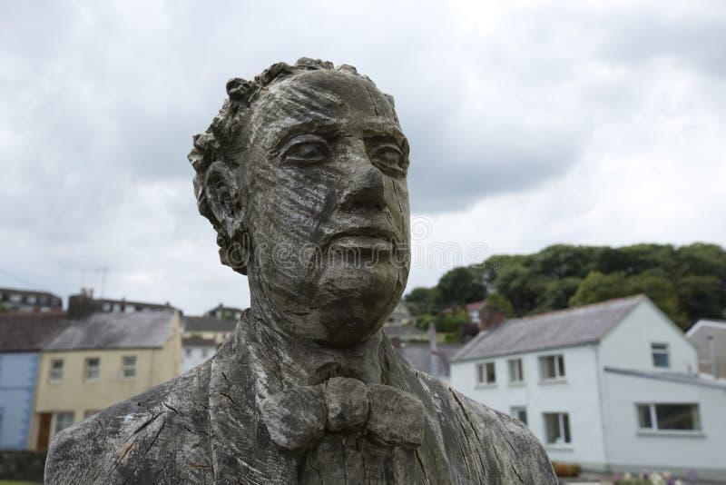 Laugharne, Gales, Reino Unido, em julho de 2014, uma opini?o Dylan Thomas cinzelou a est?tua fotos de stock royalty free