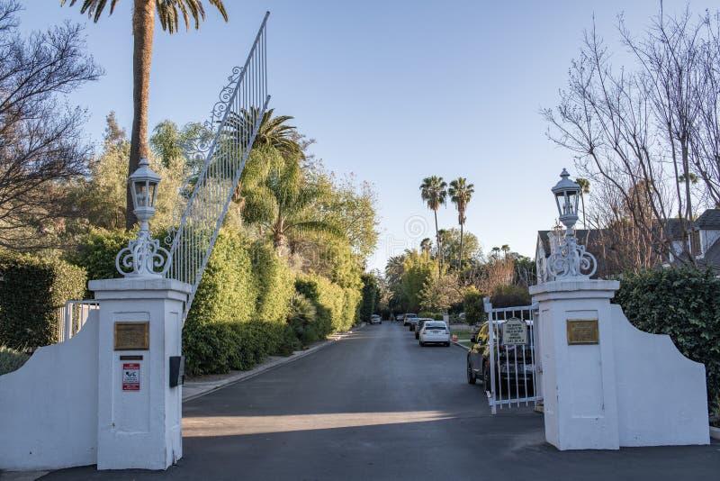 Laughlin parkerar, en privat utfärda utegångsförbud för gemenskap i Los Angeles royaltyfri fotografi