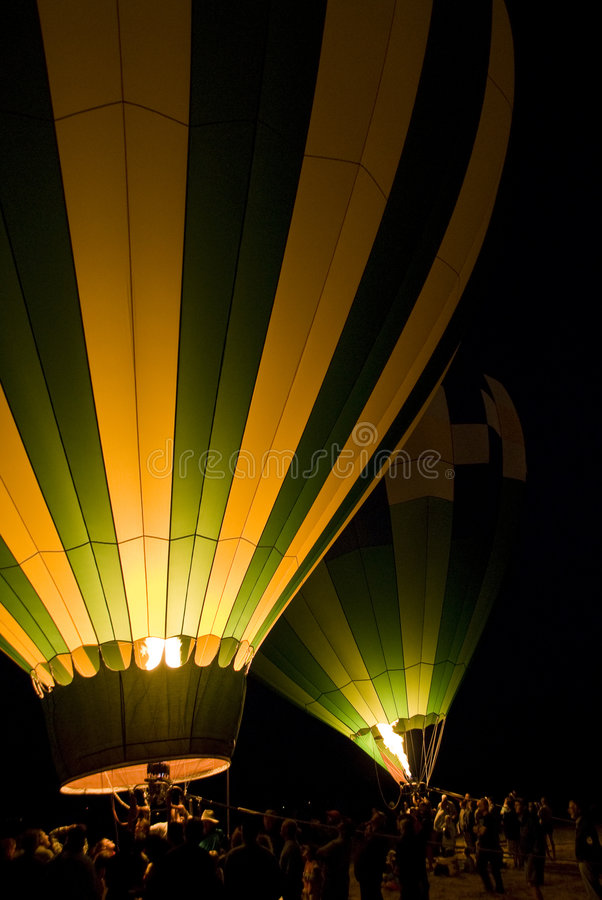 Free Launching Hot Air Balloons Royalty Free Stock Image - 3993316