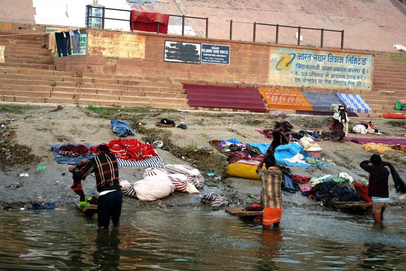 Download Laundry At The Ganges River Editorial Photo - Image: 18042841