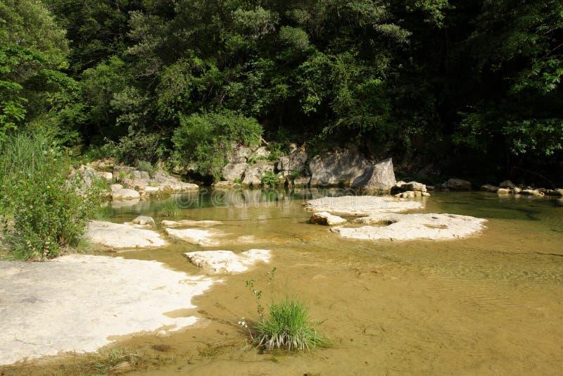 Lauquet del fiume in Corbieres, Francia fotografia stock libera da diritti