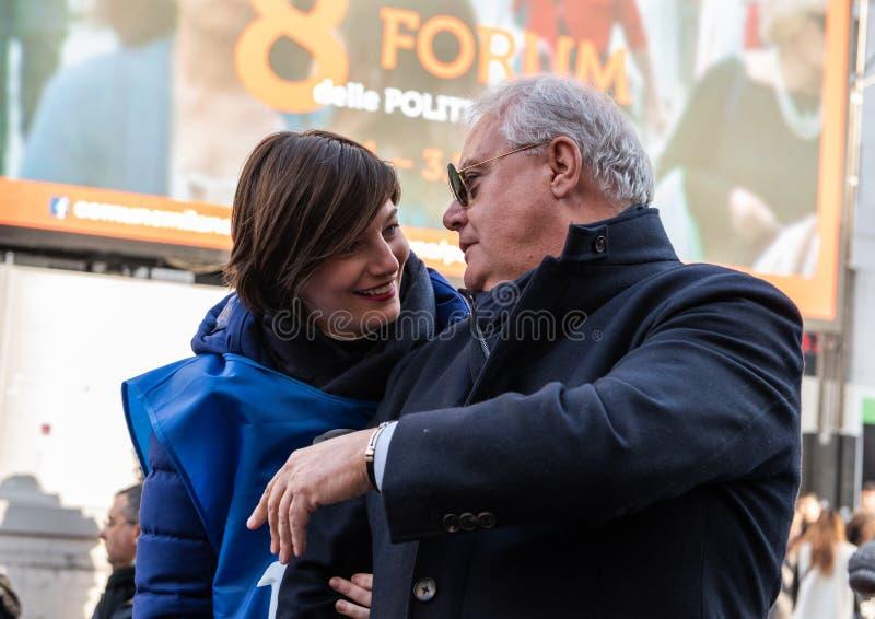 Laura Comi y Nino Caianiello foto de archivo