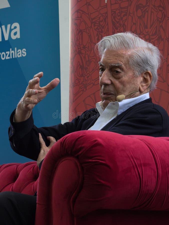 Laureat del premio Nobel in letteratura Mario Vargas Llosa sul mondo Praga 2019 del libro immagini stock libere da diritti