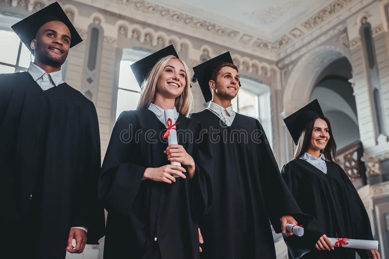 Laureati in università immagini stock