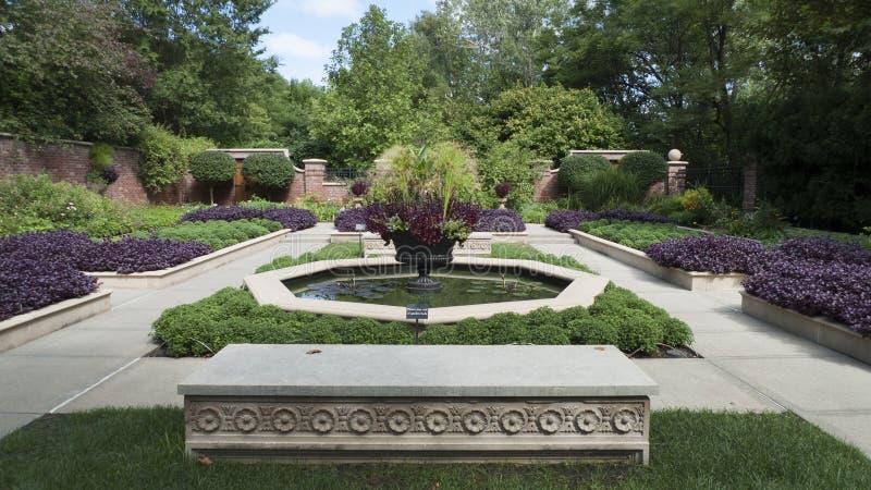 Lauritzentuinen, Omaha, Nebraska, formele tuinen stock foto's