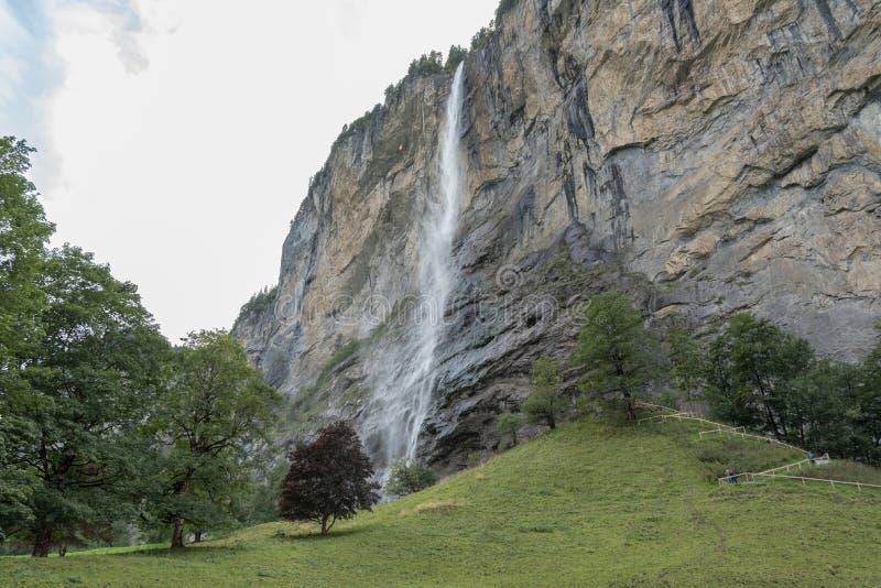 Lauterbrunnen κοντά στο Ίντερλεικεν στο καντόνιο της Βέρνης στην Ελβετία στοκ εικόνες με δικαίωμα ελεύθερης χρήσης