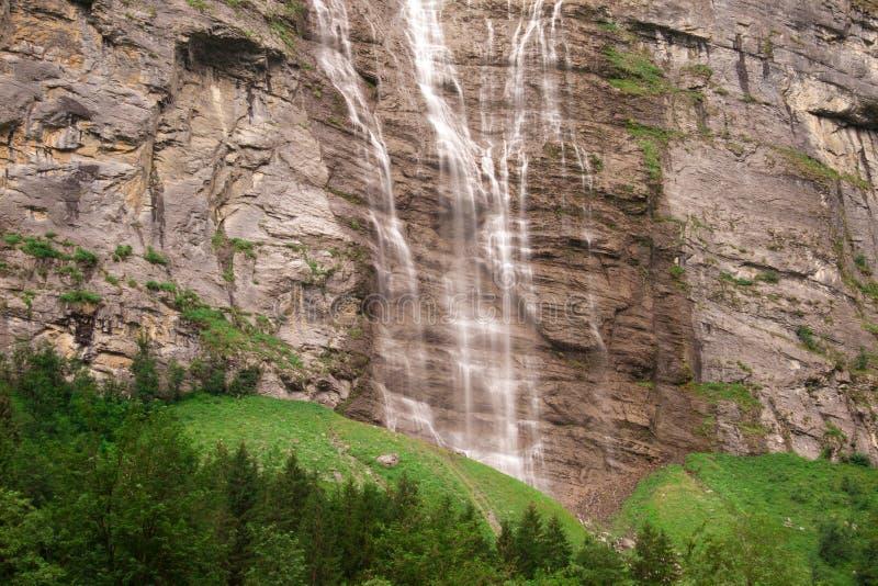 lauterbrunnen blisko siklawy zdjęcia stock