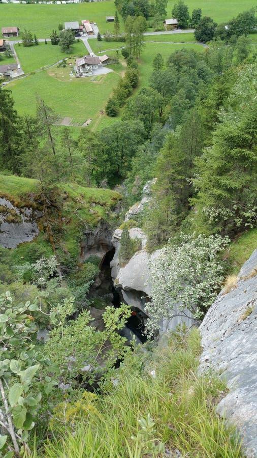 Lauterbrunnen-Kaskaden-Wasserfallwasser die Schweiz stockbilder