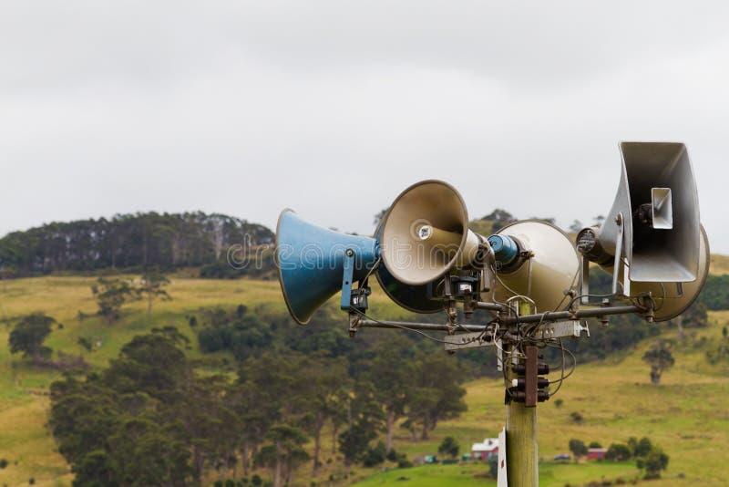 Lautsprecherset am Erscheinen lizenzfreie stockbilder