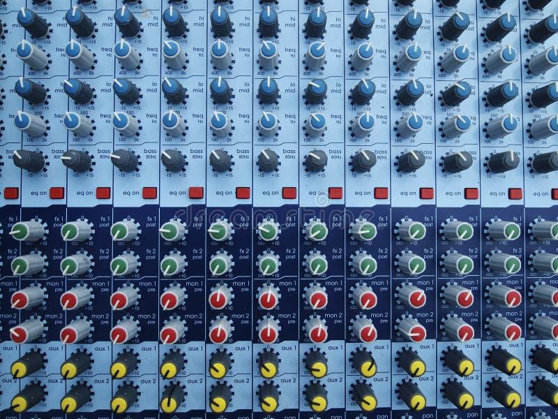 Lautstärkereglerknopf stockbild