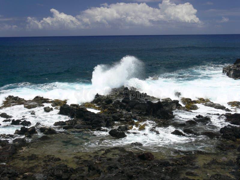 Lava Coastline volcánico de Rapa Nui fotos de archivo