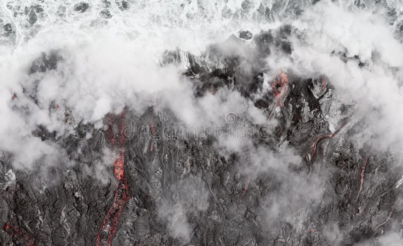 Lava Flow Into The Ocean an aktivem Vulkan Kilauea, Hawaii lizenzfreie stockfotografie