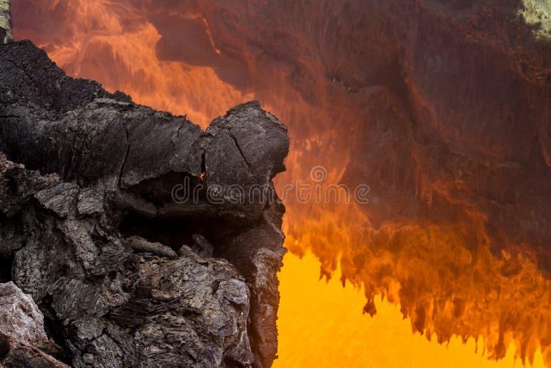 Lava nära den aktiva vulkan Tolbachik, Kamchatka halvö, Ryssland arkivfoton