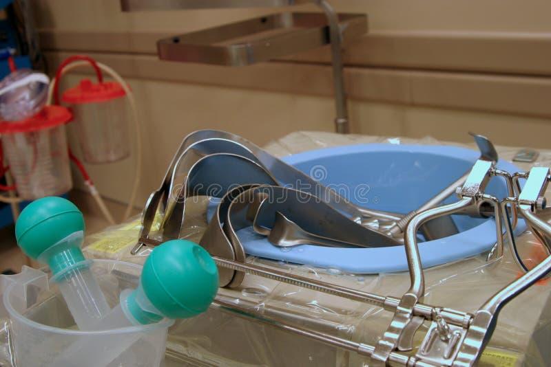 Lavabo con los instrumentos imágenes de archivo libres de regalías