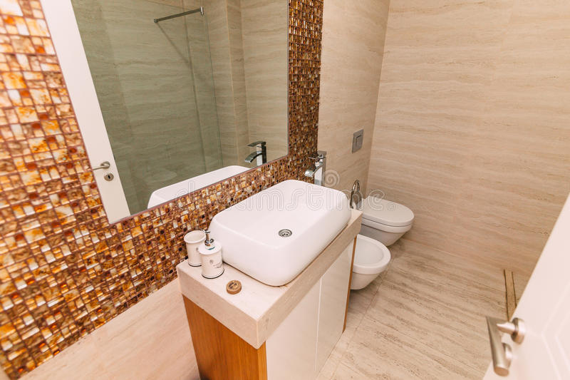 download lavabo dans la salle de bains tuyauterie dans la salle de bains linterio