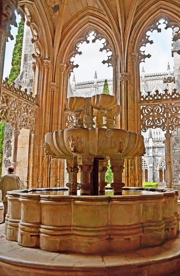 Free Lavabo Fountain In Royal Cloister Of Batalha Monastery Royalty Free Stock Photography - 97047997