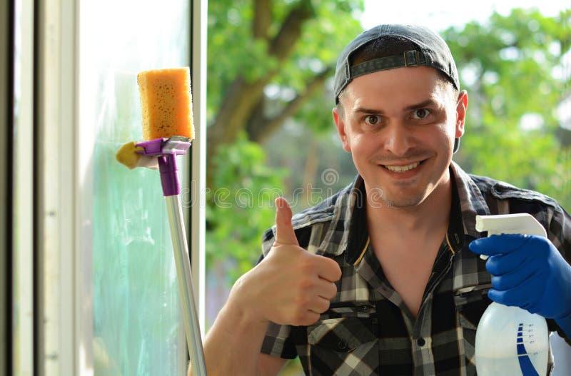 Lavadora de ventana Compañía profesional de la limpieza imagen de archivo
