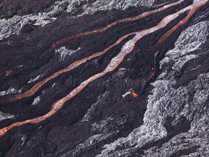 Lavaflöde på Hawaii Volcano National Park royaltyfri bild