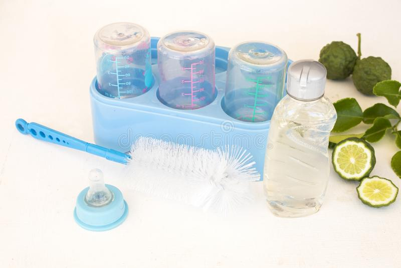 Lavage liquide de fines herbes pour des soins de sant? de nettoyage de b?b? photos libres de droits