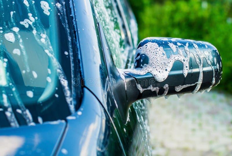 Lavagem de carros exterior imagens de stock