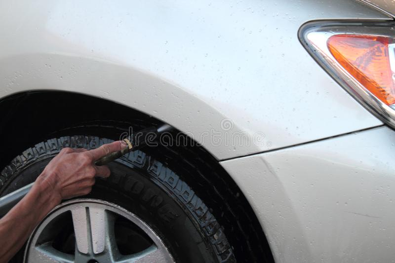 Lavagem de carros de limpeza de alta pressão fotografia de stock royalty free