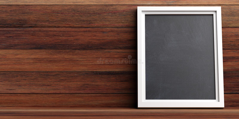 Lavagna in bianco su un fondo di legno della parete, spazio della copia, illustrazione 3d illustrazione di stock