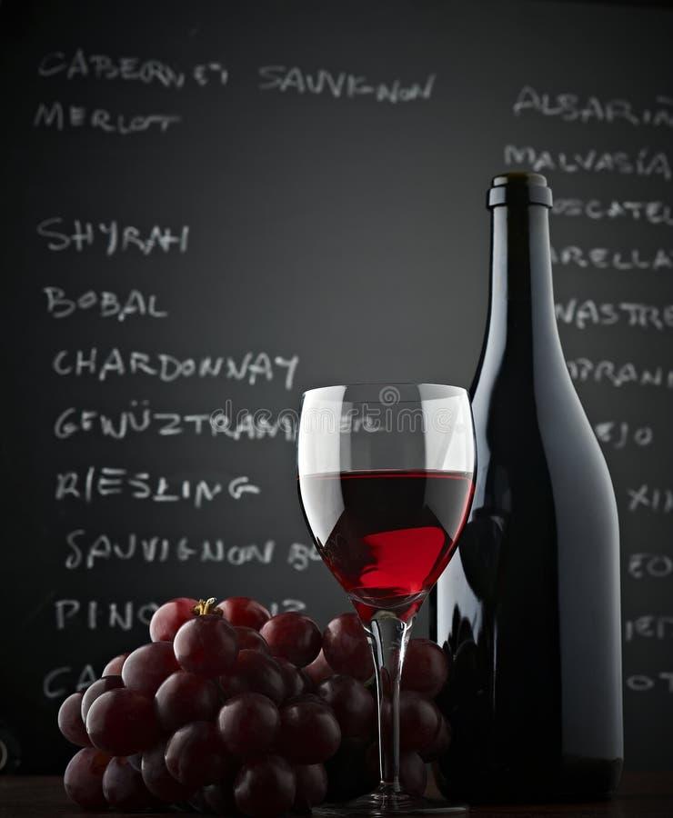 Lavagna e vino rosso immagini stock libere da diritti