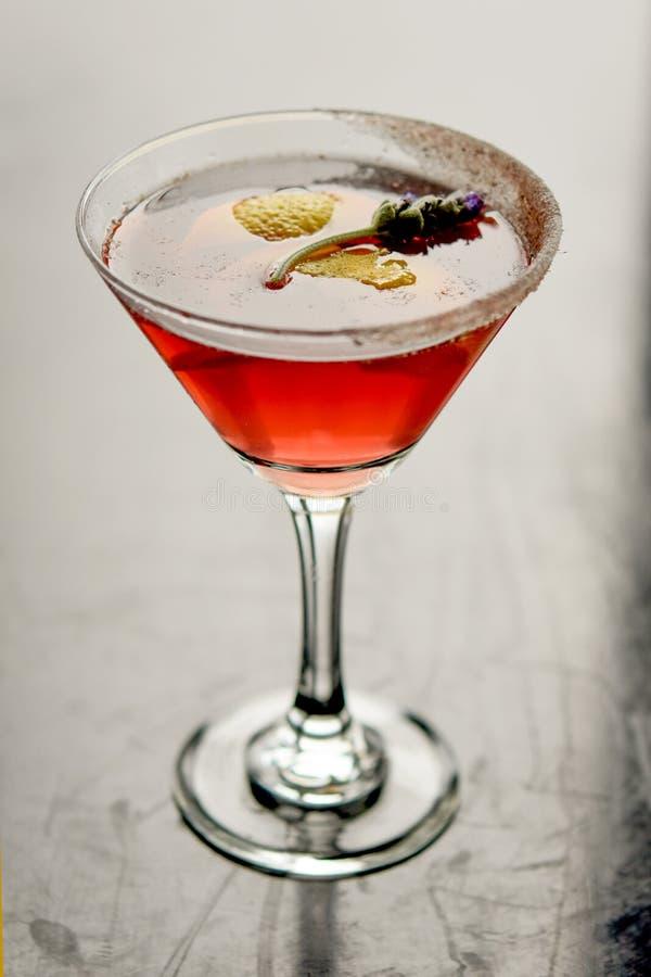 Lavande classieuse Cosmo Martini photos stock