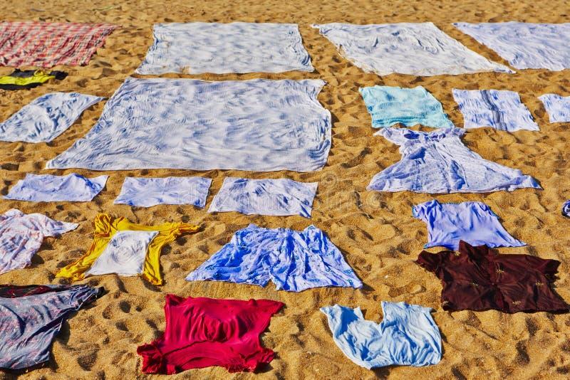 Lavanderia na praia imagens de stock royalty free