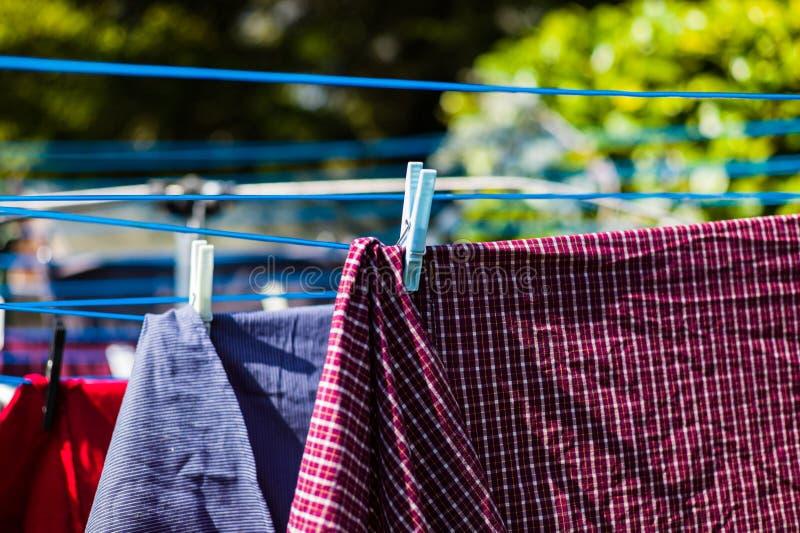 Lavanderia sulla linea di lavaggio fotografia stock libera da diritti