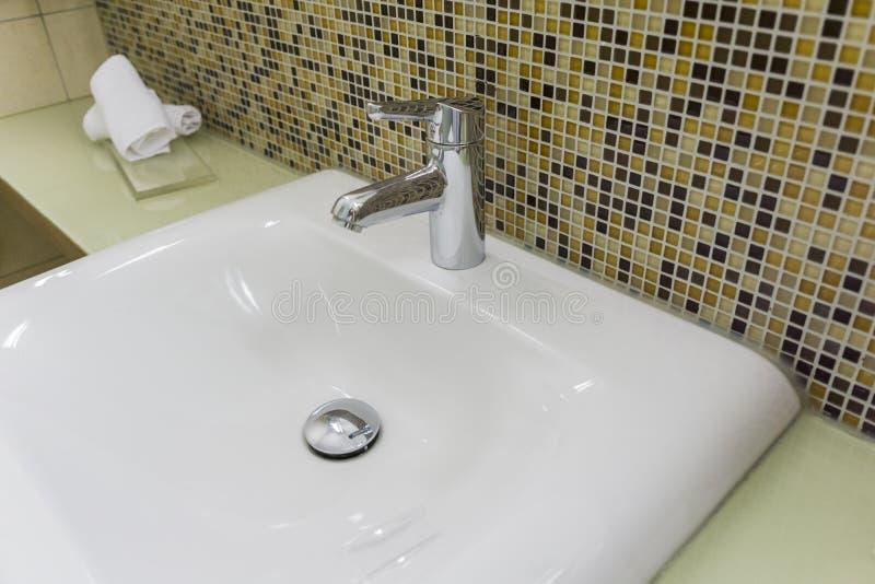 Lavandino del bagno fotografia stock