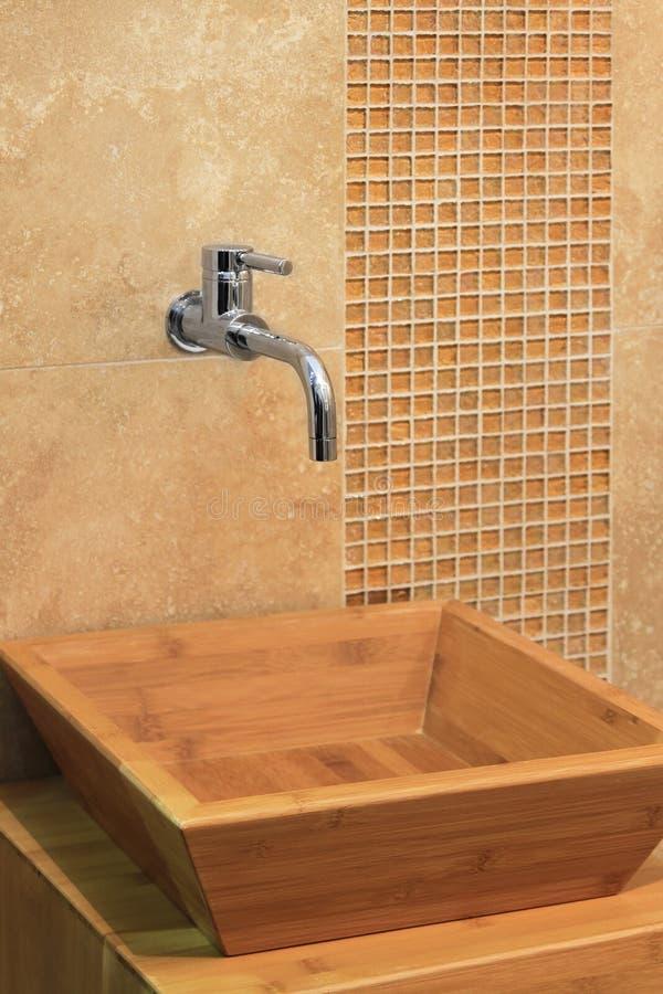Lavandino di legno fotografia stock. Immagine di geometrico - 30827062