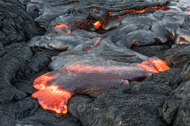 Lave débordante en Hawaï photo stock