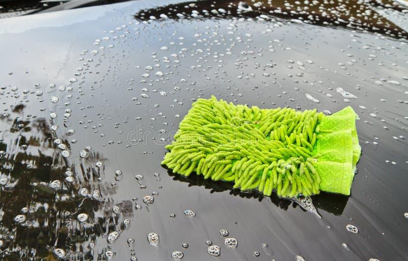 Lave un coche imagen de archivo