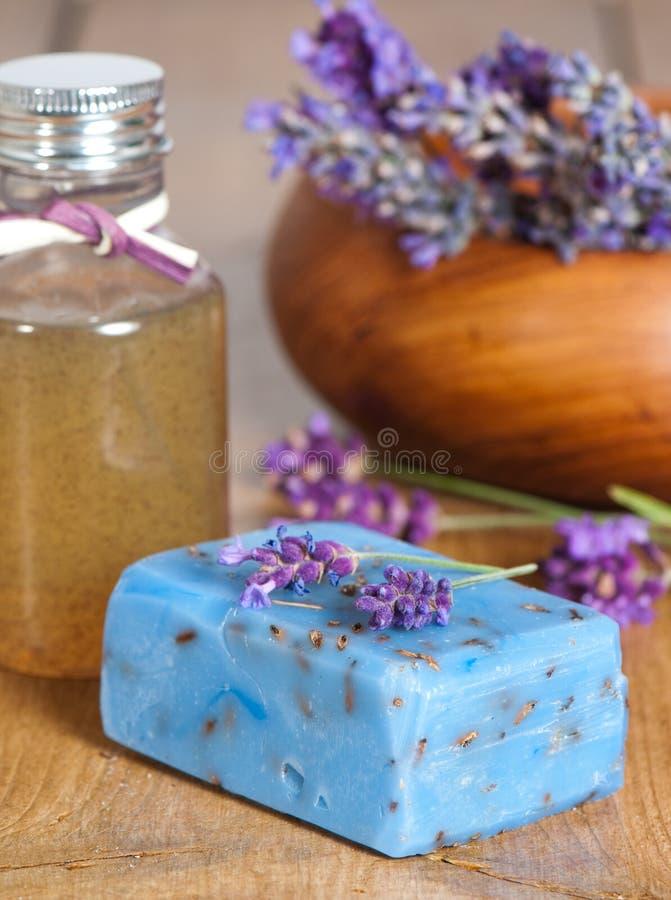 Lavendel-Badekurort-Produkte stockfotografie