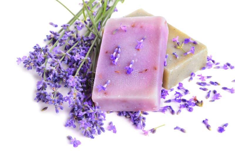 Lavendel och tvålar arkivbild