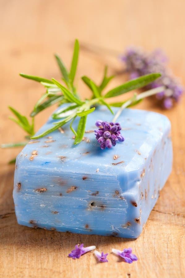 Lavendel-Seife stockfotos