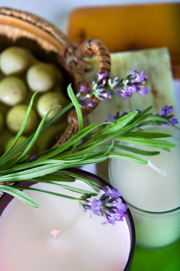 Lavendel und handgemachte Seife lizenzfreie stockfotos